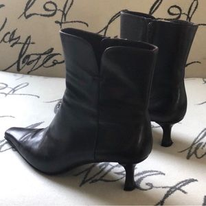Stuart Weizman brown leather booties ankle boots
